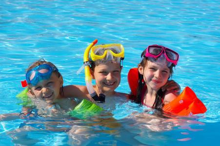 Gyerek fulladás medence