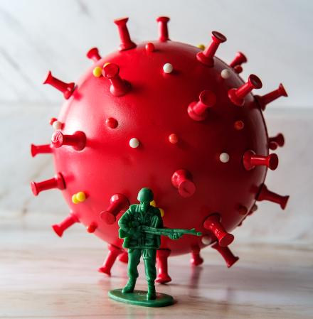 Koronavírus katona mta