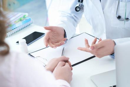 Orvos beteg konzultáció bélbetegség