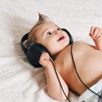 csecsemő, zene